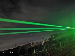 Green laser projector out door effect